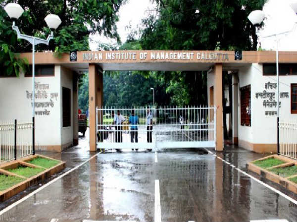IIM Calcutta Admissions 2018: Apply for PGCHM Courses Now!