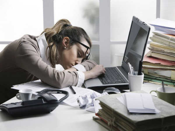 How to Manage Sleep At Workplace And Feel Energised?