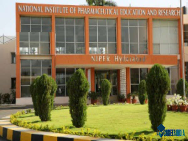 Top 10 Pharmacy Colleges In India - Careerindia