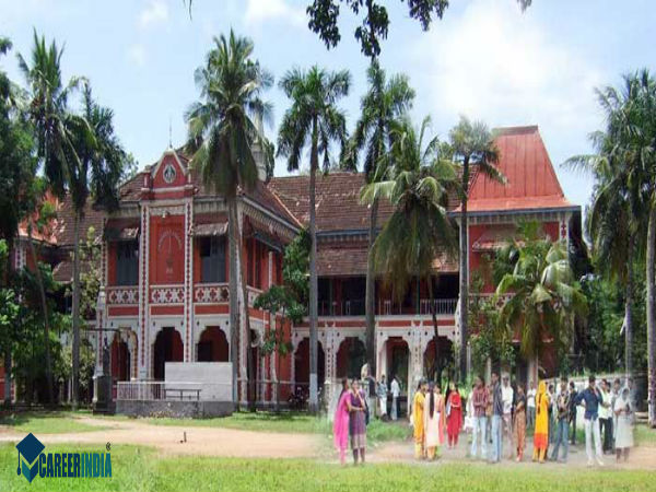 18. University College, Thiruvananthapuram