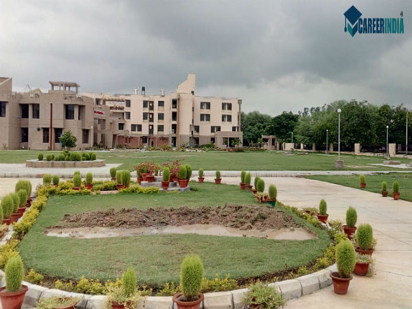 7. Indian Institute Of Technology, Kanpur