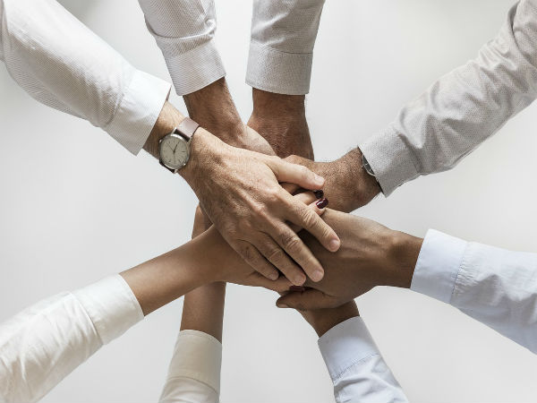 5 Tips To Build A Healthy Teamwork Environment In An Organisation