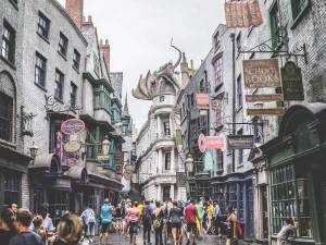 8 Things that the World of Harry Potter taught us