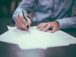 Pros And Cons Of Signing A Bond With Any Organization